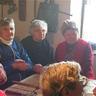 06 - Érdeklõdve hallgatták a híreket egymás unokáiról.jpg
