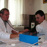 07 - Orvosi vizsgálat vérnyomásméréssel.jpg