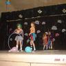 03 - A 2.osztályosok bohócoknak öltözve szórakoztatták a közönséget.jpg