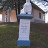 emlék szobor temető