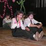 04 - A nyolcadikosok osztályfõnöke Ildikó néni is benne volt a bolondságban.jpg