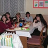 11 - Finomságoktól roskadozó asztalok mellett szórakoztak a hölgyek.jpg
