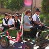 10 - A szomszéd falvakban, így Gyulajról is örömmel jöttek a lovasok.jpg