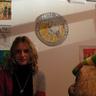 03 - Petra és díjazott alkotása.jpg