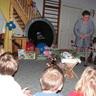 08 - Harmati Józsefné óvódavezetõ az ünneprõl, a hagyományokról mesél a gyerekeknek.jpg